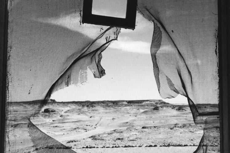 Lee-Miller-Portrait-of-Space-Nr-Siwa-Egypt-1937-©-Lee-Miller-Archives-www.leemiller.co_.uk_-1-e1551625799881